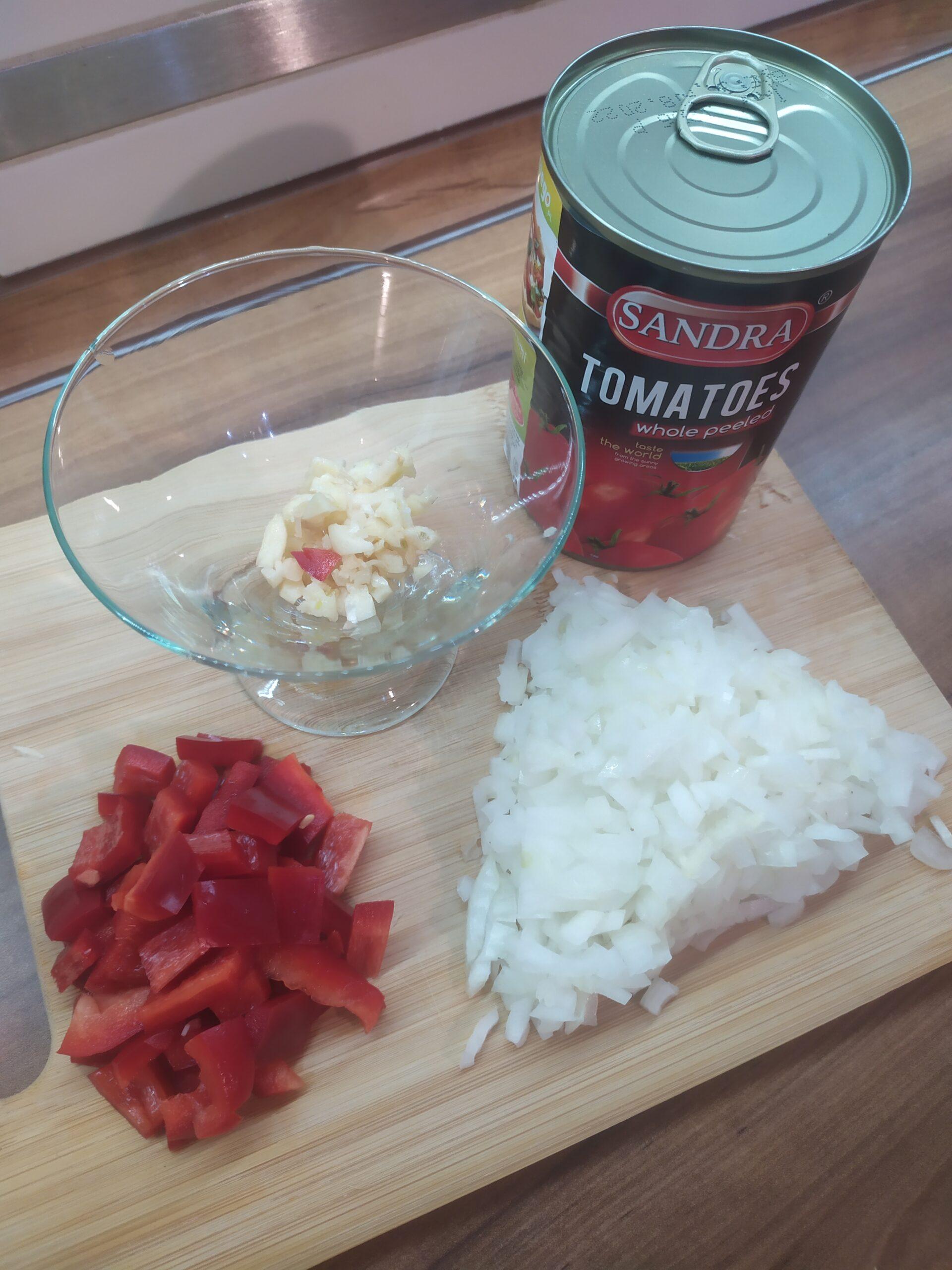pomidory z puszki - sos do spaghetti