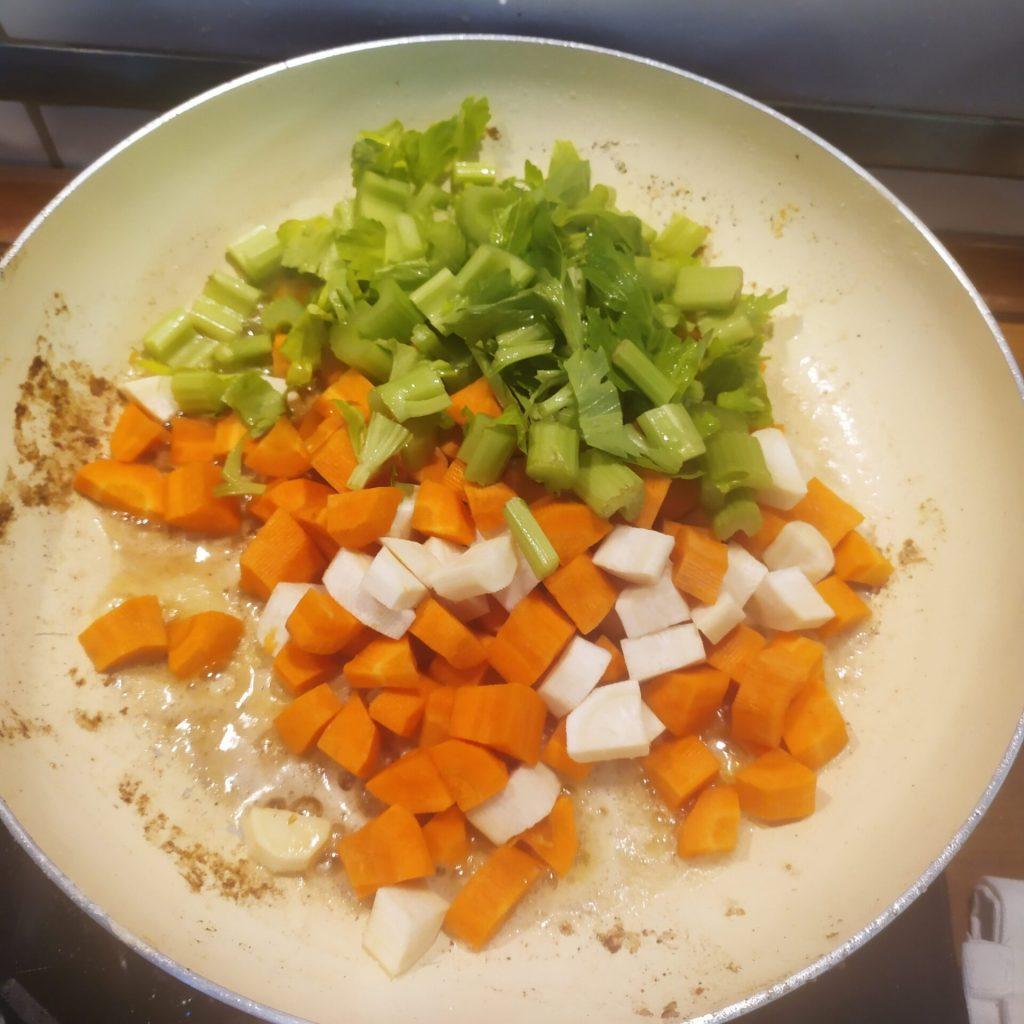 podsmazane warzywa na ossobuco